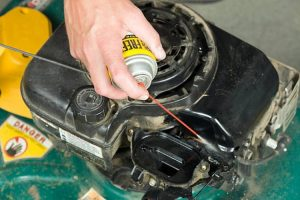 How to use Lawn Mower Starting Fluid